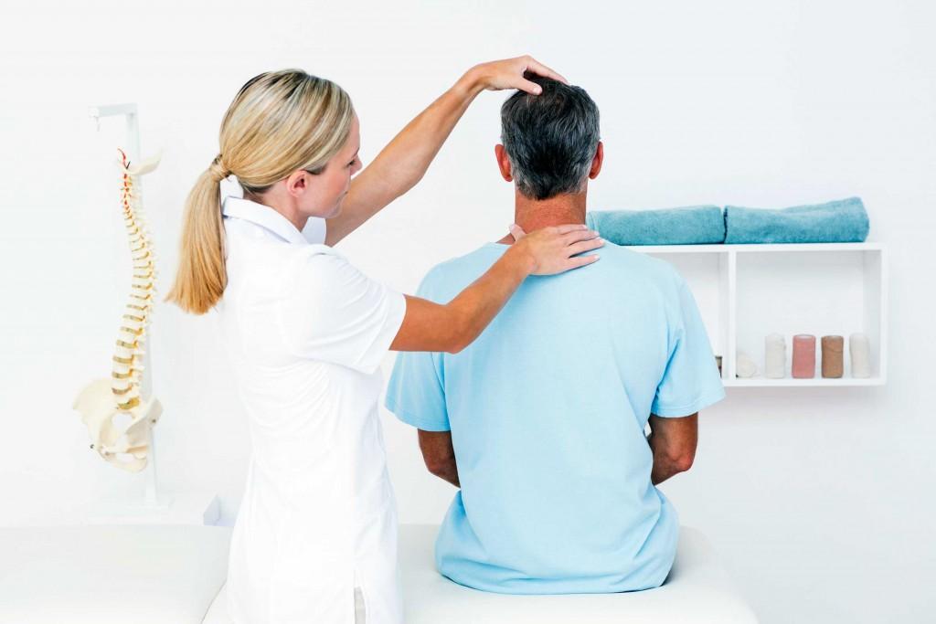 12_secrets_chiropractors_wont_tell_you_bone_doctors_Wavebreakmedia